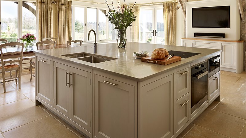 kitchen island with cooker and sink