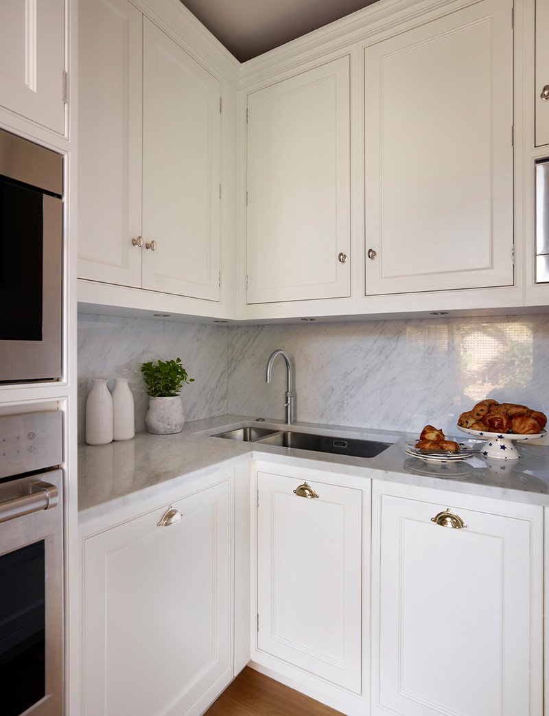 kitchen using natural marble in carrera