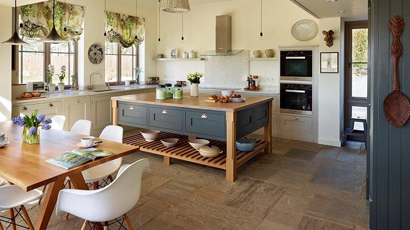 kitchen with silestone worktop
